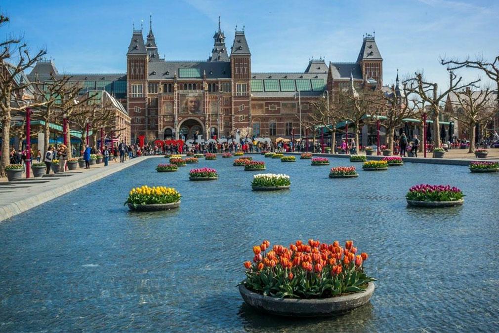 Amsterdam in Spring for a honeymoon getaway