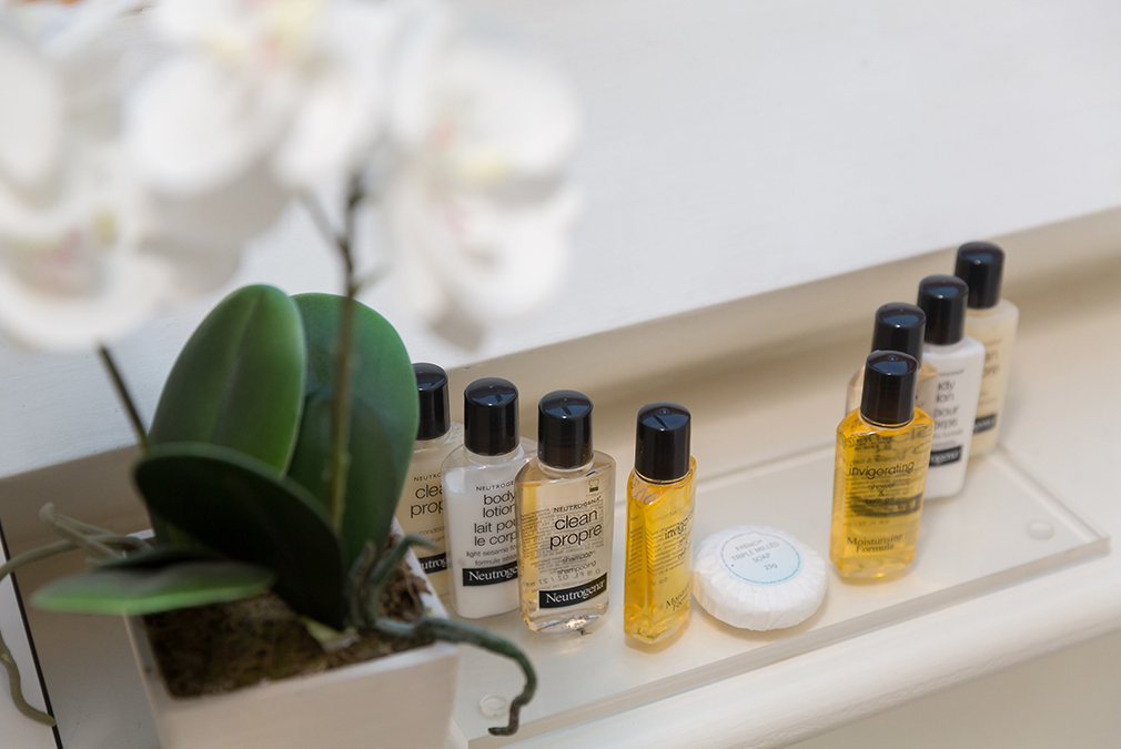 An en-suite bathroom in one of the bedrooms comes complete with luxury toiletries