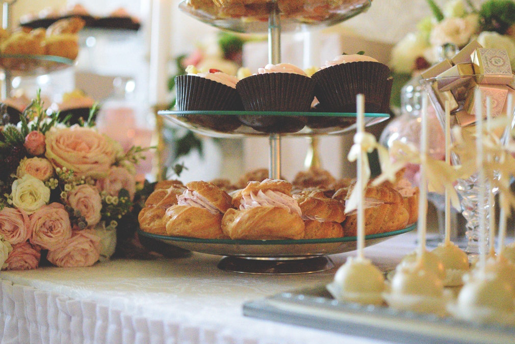 An afternoon tea is an ideal wedding breakfast for a spring wedding at Braxted Park