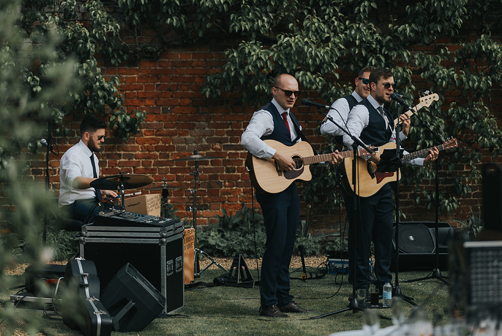 A summer wedding at Braxted Park lends itself perfectly to outdoor wedding entertainment such as a wedding band